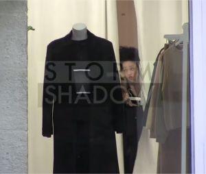Robert Pattinson et FKA Twigs : shopping en couple à Paris, le 14 octobre 2014
