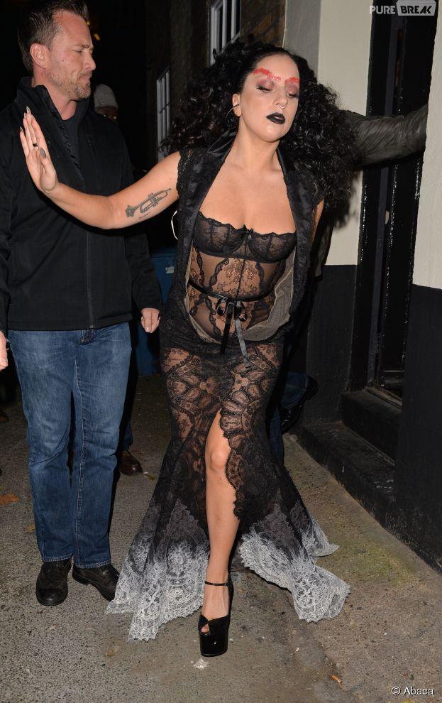 Lady Gaga encore transformée à Londres, le 22 octobre 2014