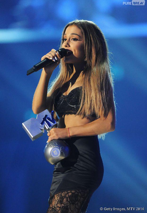 Ariana Grande à la cérémonie des MTV EMA 2014, le 9 novembre 2014 à Glasgow
