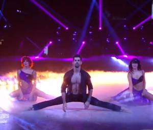 Danse avec les Stars 5 : Miguel Angel Munoz danse avec Fauve Hautot et Candice Pascal lors de la demi-finale du 22 novembre 2014