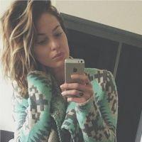 Caroline Receveur sexy en culotte pour préparer Noël