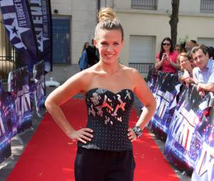 Lorie sur le tapis rouge de La France a un incroyable talent, en septembre 2014
