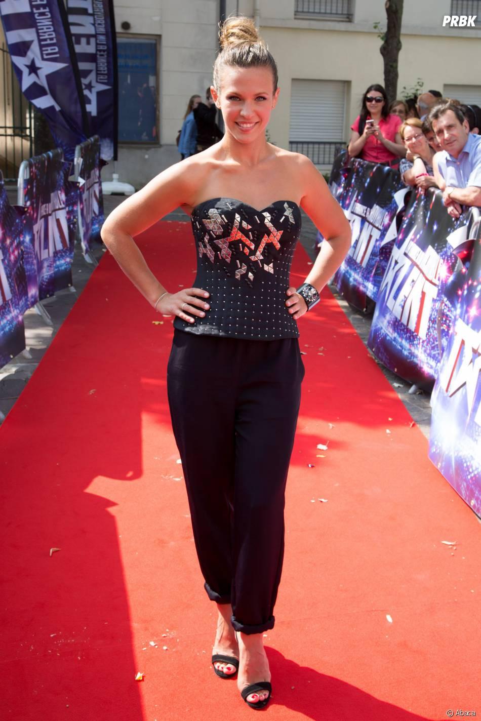 Lorie sur le tapis rouge de La France a un incroyable talent, en septembre 2014