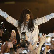 Rihanna à Paris : bain de foule avec ses fans pour sa R8 Experience