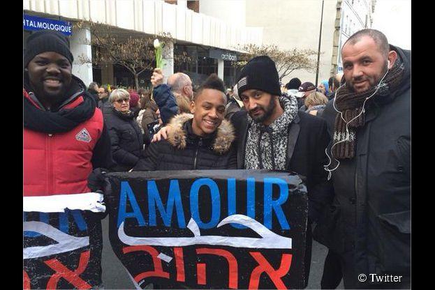Cyril Hanouna et Mokhtar lors de la marche républicaine organisée à Paris et dans toute la France le 11 janvier 2015, après l'attentat meurtrier de Charlie Hebdo
