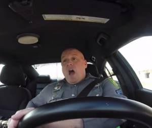 Taylor Swift : la vidéo d'un policier qui chante Shake It Off fait le buzz sur Youtube