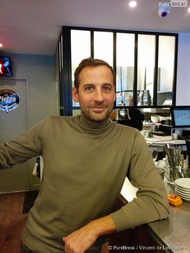 Fred Testot dans son restaurant La Cachette dans le 6ème arrondissement de Paris, le 27 janvier 2015