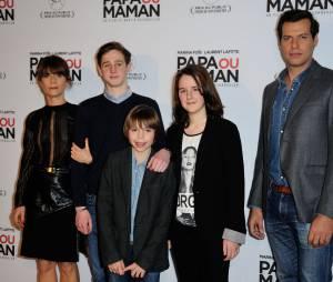 Marina Foïs, Laurent Lafitte et leurs enfants de cinéma à l'avant-première de Papa ou Maman, le 26 janvier 2015 à Paris