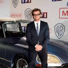 Simon Baker irrésistible à Paris : le beau cadeau de la star de Mentalist à TF1