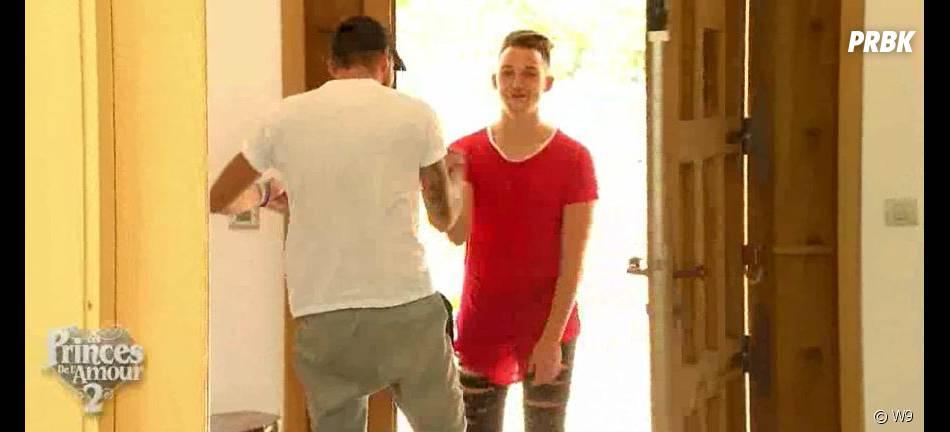 Les Princes de l'amour 2 : Raphaël reçoit son meilleur ami Mehdi à la villa, dans l'épisode 69 diffusé le 12 février 2015, sur W9