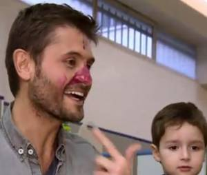 Christophe Beaugrand retombe en enfance dans Stars sous hypnose