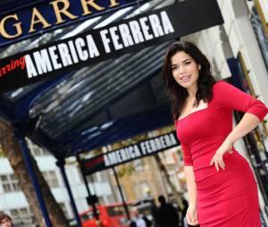 America Ferrera au théâtre dans Chicago en 2011