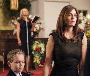 Mason Vale Cotton et Teri Hatcher dans Desperate Housewives