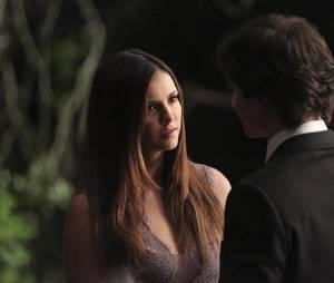 The Vampire Diaries saison 6, épisode 22 : Elena (Nina Dobrev) sur une photo