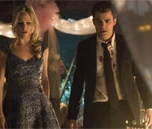 The Vampire Diaries saison 6 : Stefan et Caroline sur une photo de l'épisode 22
