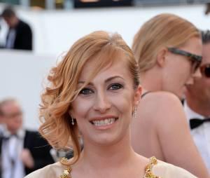 Gaëlle des Ch'tis souriante sur le tapis rouge, le 15 mai 2015 au festival de Cannes