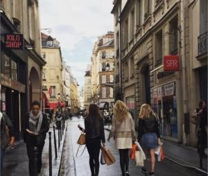 Candice Accola en vadrouille à Paris en mai 2015