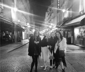 Candice Accola et ses amies à Paris en mai 2015