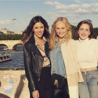 Candice Accola (The Vampire Diaries) : balades et éclate à Paris avec Kayla Ewell