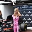 Cara Delevingne prête à piloter au Grand Prix de Monaco le 24 mai 2015