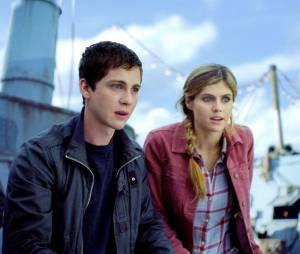 Alexandra Daddario et Logan Lerman dans le premier volet de Percy Jackson