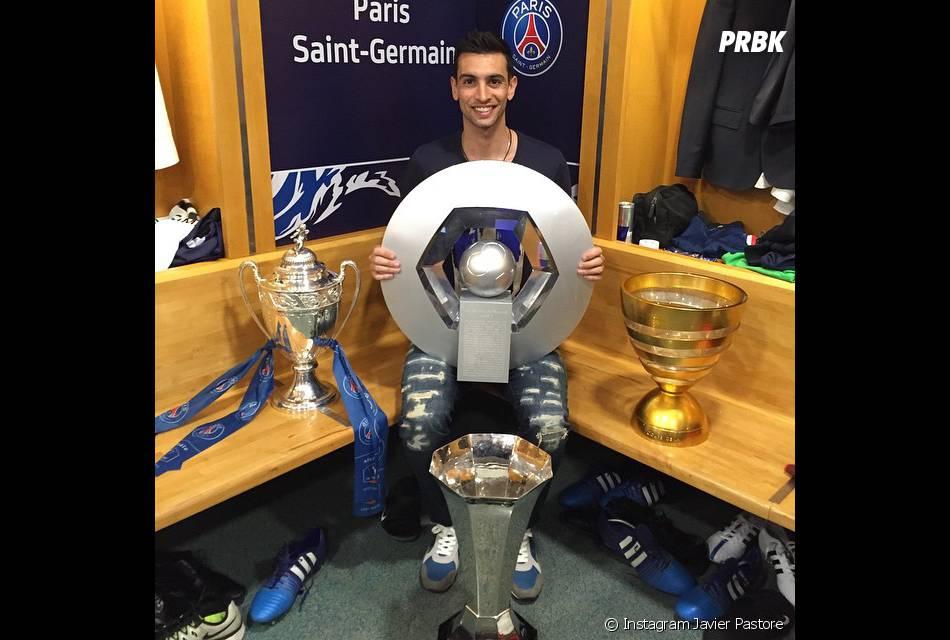 célèbrent leur victoire en Coupe de France et leur quadruplé dans les vestiaires du Stade de France, le 30 mai 2015