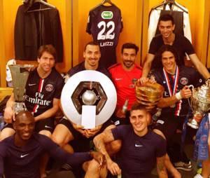 Zlatan Ibrahimovic et ses coéquipiers célèbrent la victoire du PSG en Coupe de France et son quadruplé dans les vestiaires du Stade de France, le 30 mai 2015