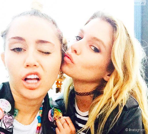Miley Cyrus et Stella Maxwell complices sur Instagram en juin 2015