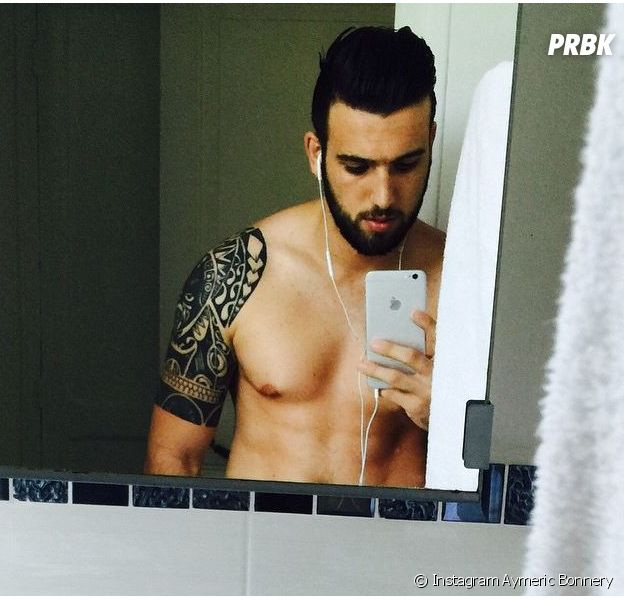 Aymeric Bonnery torse nu et sexy sur Instagram, le 24 juin 2015