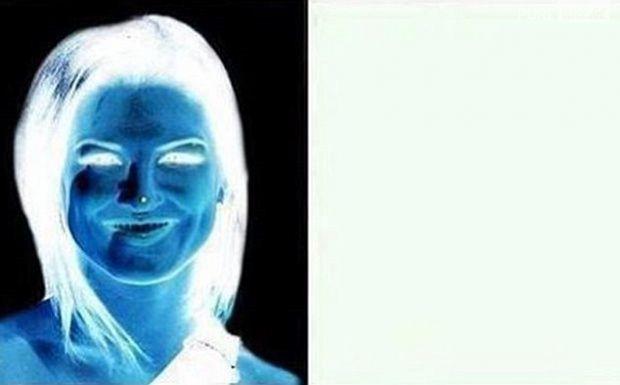 Robe bleu et noire illusion d'optique