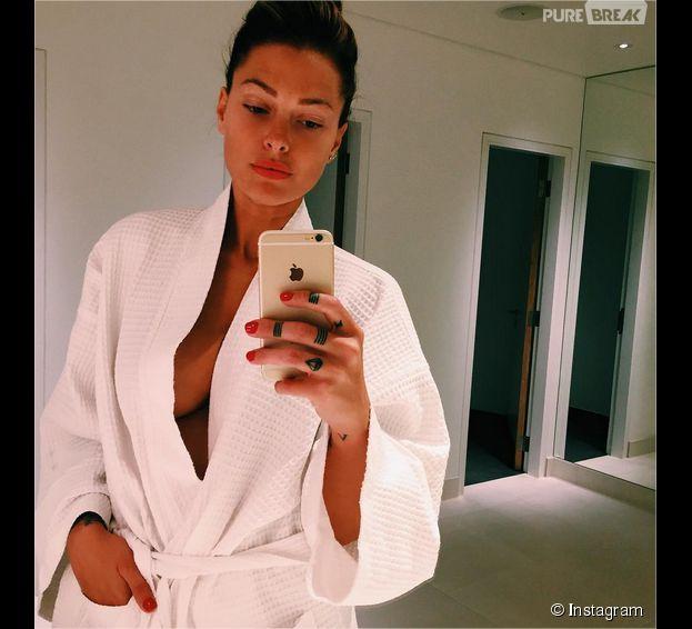 Caroline Receveur trop sexy sur Instagram ? Sa photo au bord du nip-slip
