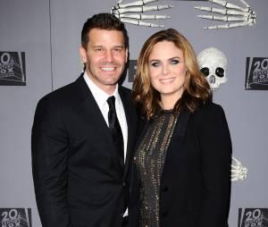Bones saison 10 : David Boreanaz et Emily Deschanel, avec qui sont-ils en couple ?