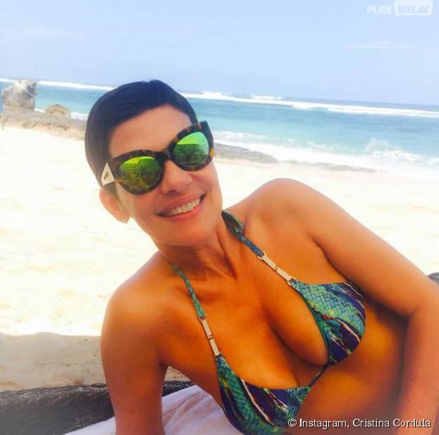 Cristina Cordula sexy en bikinin sur Instagram