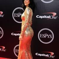 Kylie Jenner : nouveaux seins pour la bimbo ? Elle dément (encore).. mais ne dit pas non
