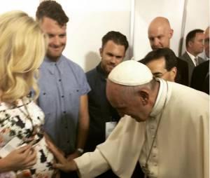 Candice Accola enceinte : la star de Vampire Diaries rencontre le Pape, le 26 septembre 2015 à Philadelphie