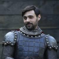 Once Upon a Time saison 5 : qui est Liam Garrigan aka le Roi Arthur ?