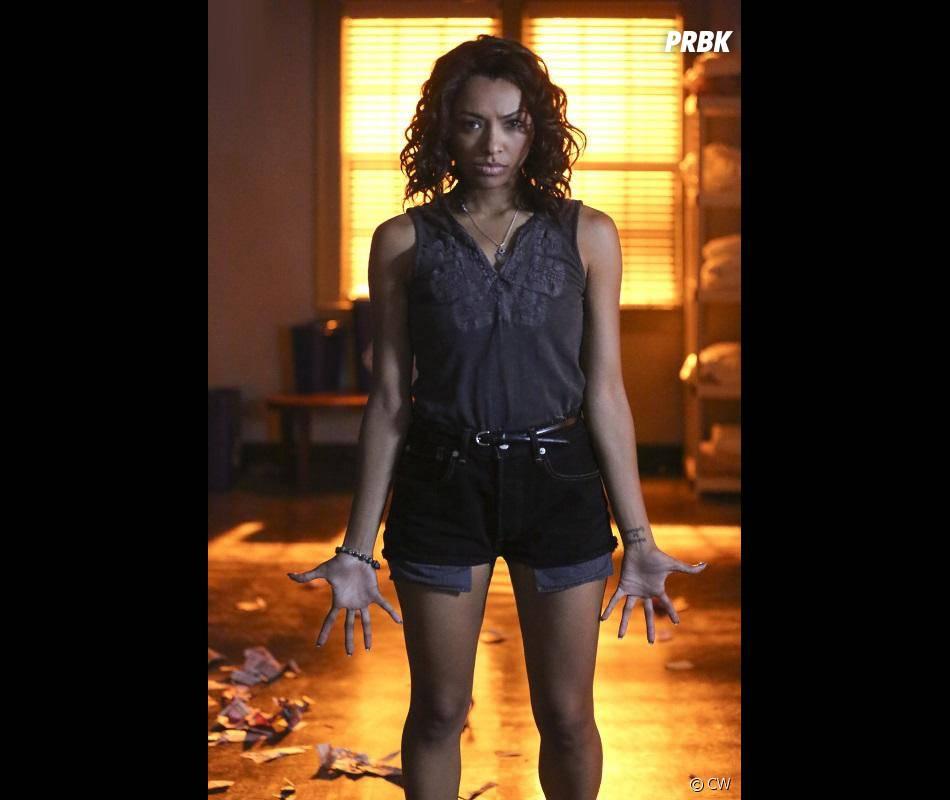 The Vampire Diaries saison 7, épisode 3 : Kat Graham (Bonnie) sur une photo