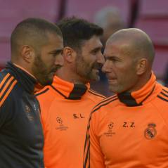"""Karim Benzema mis en examen : """"très touché"""", Zinedine Zidane lui apporte son soutien"""
