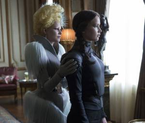 Hunger Games 4 : Elizabeth Banks et Jennifer Lawrence sur une photo