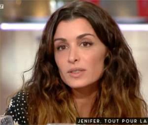 Jenifer donne les raisons de son départ de The Voice dans C à vous sur France 5 le 4 décembre 2015