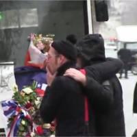Eagles of Death Metal de retour au Bataclan et en larmes pour rendre hommage aux victimes