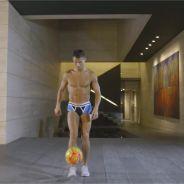 Cristiano Ronaldo torse nu et en boxer : la séance de jonglage sexy et WTF