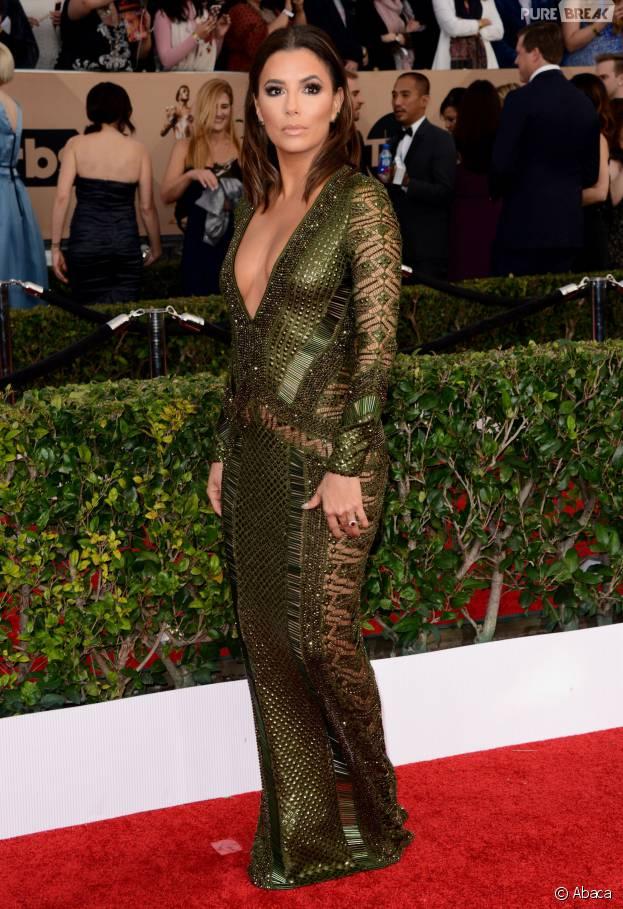 Eva Longoria décolletée, transparente et sans sous-vêtements ealors des SAG Awards 2016, le 30 janvier, à Los Angeles