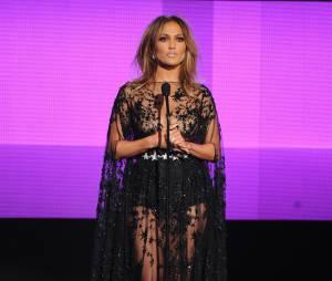 Jennifer Lopez sexy et transparente sur scène