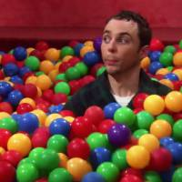 "The Big Bang Theory : Jim Parsons dévoile enfin l'origine de ""Bazinga"""