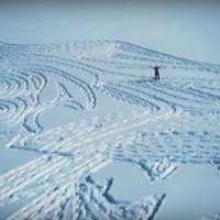 Game of Thrones : quand un artiste fait apparaître l'emblème des Stark... dans la neige
