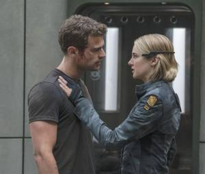 Divergente 3 : Quatre (Theo James) et Tris (Shailene Woodley) sur une photo