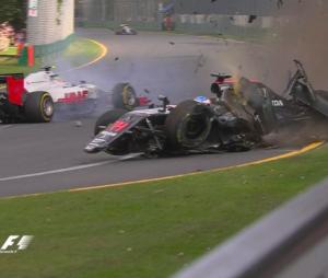 Fernando Alonso : un énorme crash lors du GP d'Australie, le 20 mars 2016