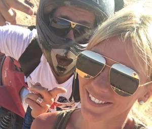 Amélie Neten souriante en vacances à Marrakech