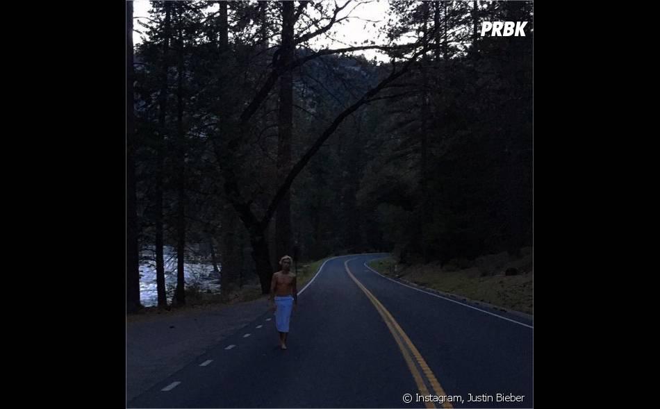 Justin Bieber torse nu en pleine nature sur Instagram en avril 2016
